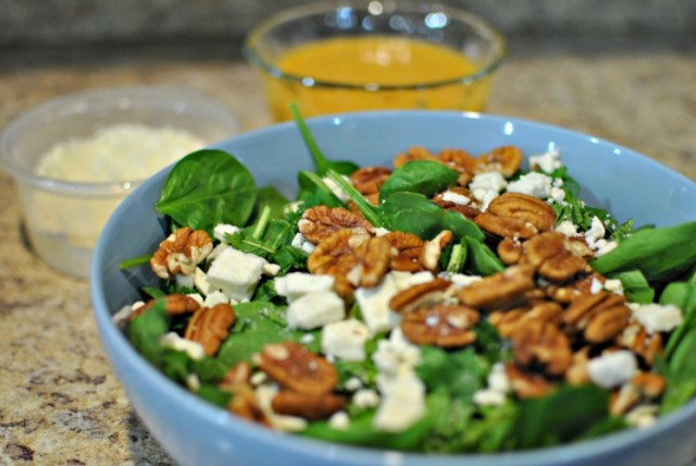 spinach salad with peach vinaigrette