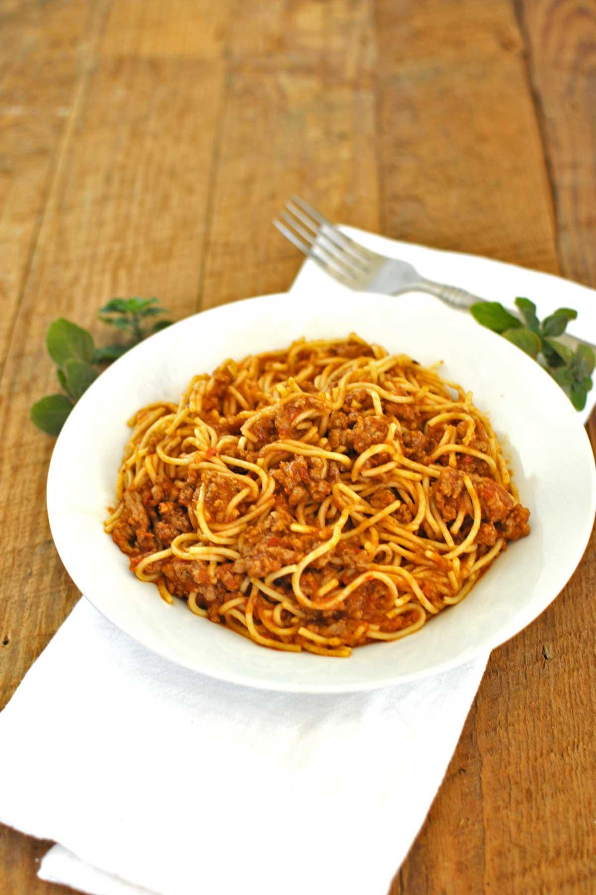 15 Minute Spaghetti Bolognese Becky S Best Bites