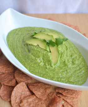 Whether your backyard barbequing, taking it to the beach, or camping in the great outdoors, this Guacamole Taquero brings the heat to your summer eats with Mezzetta's Deli-Sliced Hot Jalapenos by Becky's Best Bites