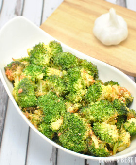 Roasted Sriracha Broccoli