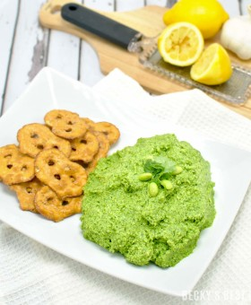 Cilantro Edamame Hummus is a healthy appetizer or snack recipe. No oil or tahini is needed to make this yummy, nutritious and easy treat. | beckysbestbites.com