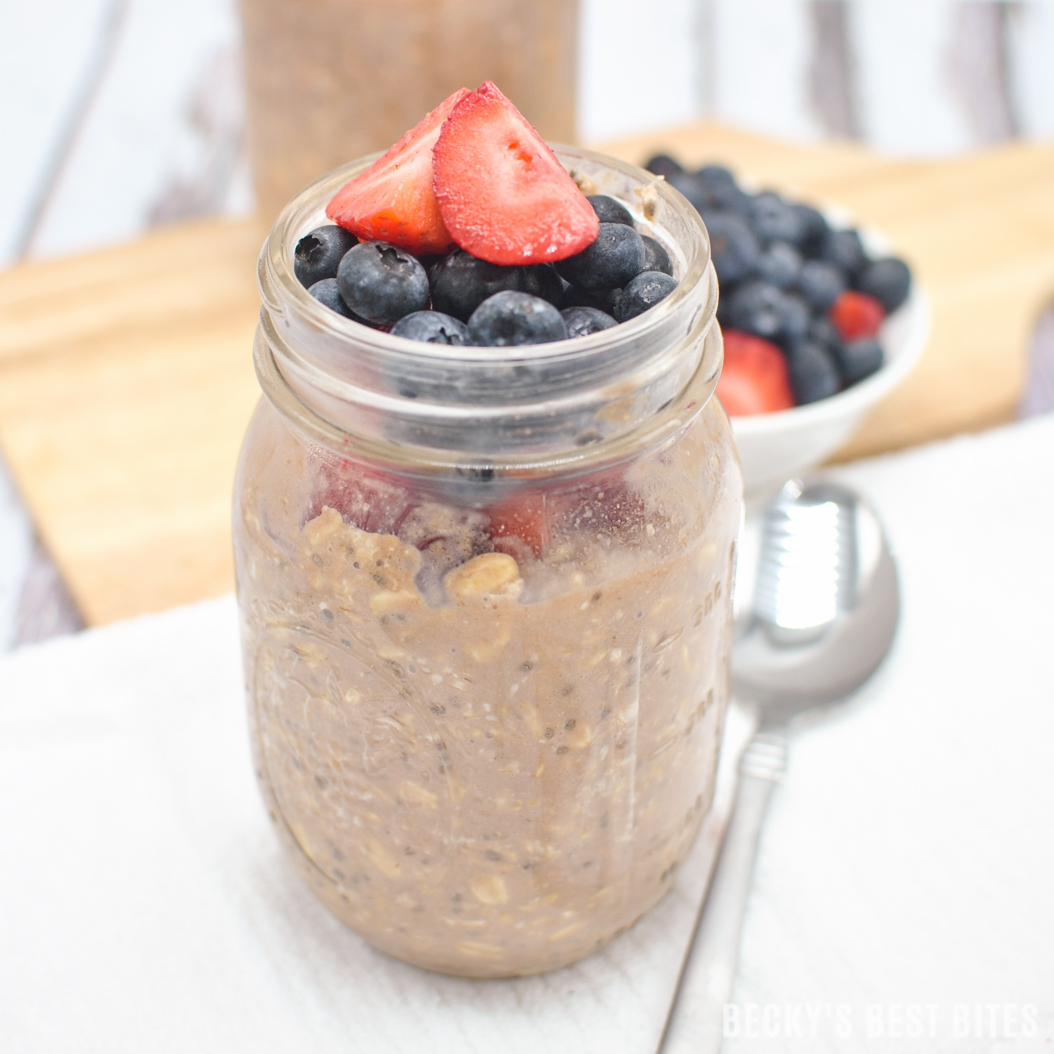 Berry Chocolate Protein Overnight Oats is a quick, easy & healthy breakfast recipe! Flexible, filling & portable, the options are endless for this on-the-go meal idea!! | beckysbestbites.com