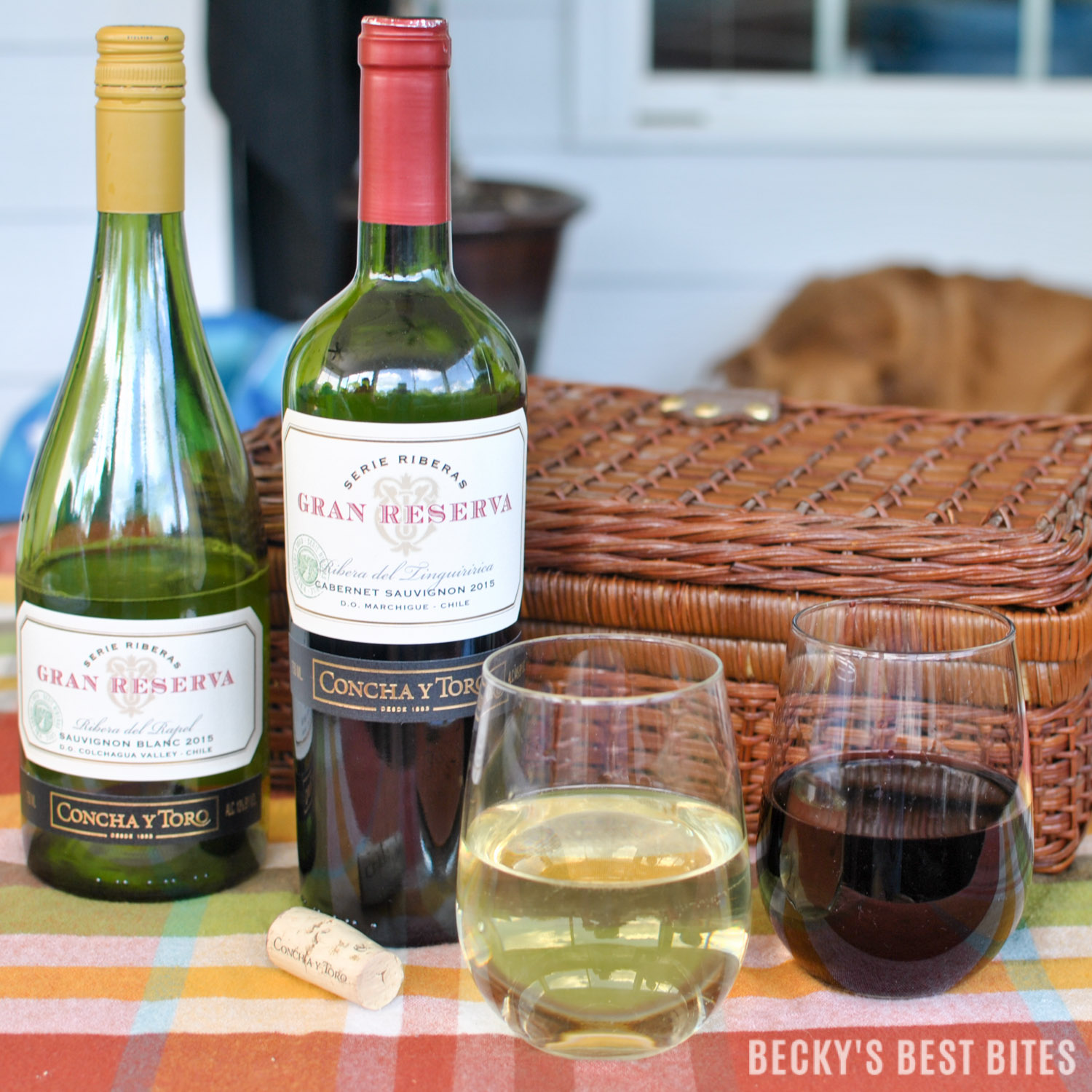 How I Wine Down While My Family Golfs! Learn how to enjoy a $25 credit on a round of golf at major golf courses nationwide & enter to win a year of FREE GOLF courtesy of Concha y Toro Gran Reserva Wines. #GranReservaGolf #ad  beckysbestbites.com