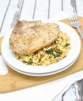 Mediterranean Pork and Orzo is a quick, easy and healthy recipe perfect for hectic weeknights. The spinach, roasted red peppers, feta cheese and mediterranean spices jazz up this simple dish into a meal that the whole family will love! | beckysbestbites.com