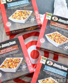 Have quick and easy meal solutions on-hand for crazy back to school days with Jimmy Dean Bowls at Target. Each bowl contains 21-23 grams of protein, filled with premium ingredients and is ready in under 5 minutes. | beckysbestbites.com