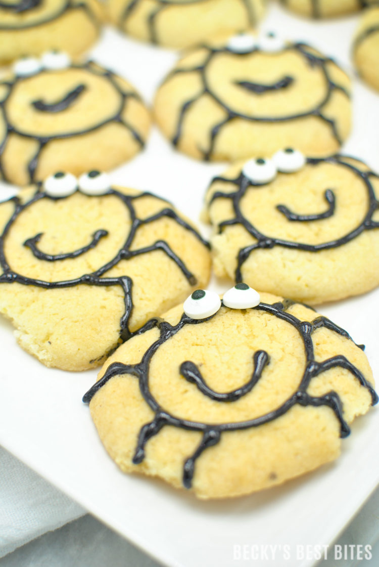 Easy Halloween Spider Cookies are a fun and festive treat made with Immaculate Baking Gluten Free Sugar Cookies. Let the kids help decorate as an entertaining after-school activity too! #ad #ImmaculateBaking | beckysbestbites.com